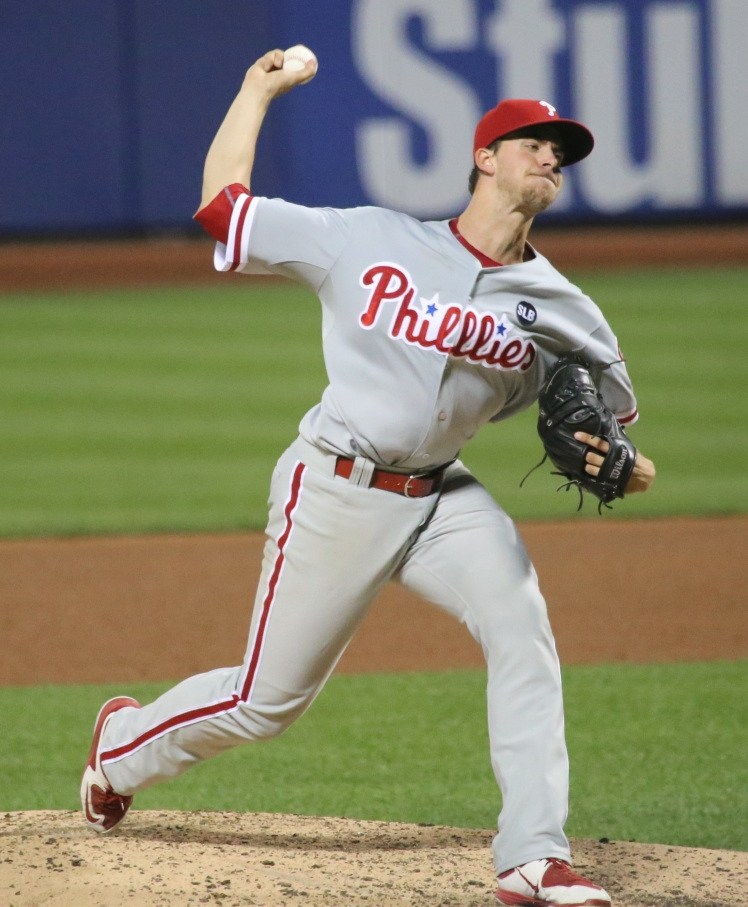 Aaron Nola delivers a pitch against the Mets.